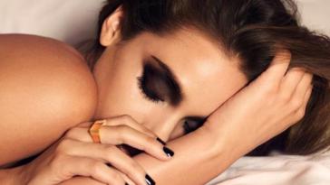 Bahaya tidak Membersihkan Make Up saat Akan Tidur