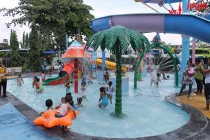 Alamat Wisata Bermain Anak Balong Water Park Pleret, Banguntapan, Bantul