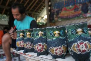 Pusat Kerajinan Batik Kayu Krebet Jogja