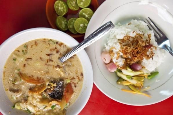 Warung Makan Soto Betawi Favorit di Jakarta