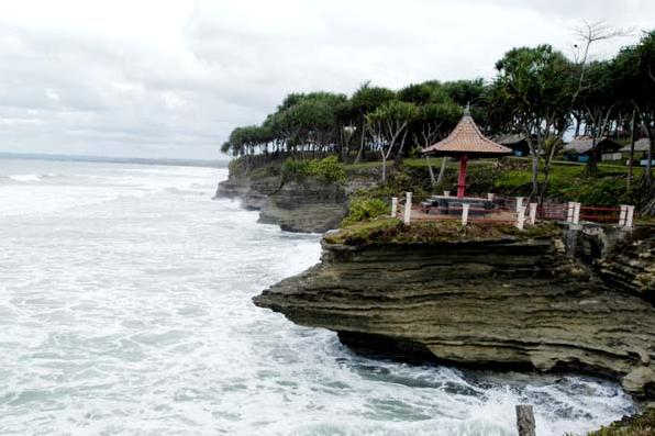 Obyek Wisata Pantai Batu Hiu, Tempat Wisata Pantai Kece di Pangandaran