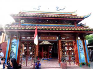 Destinasi Tempat Wisata Klenteng Hok Lay Kiong Bekasi