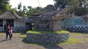 Lokasi Tempat Wisata Taman Buaya Indonesia Jaya Bekasi