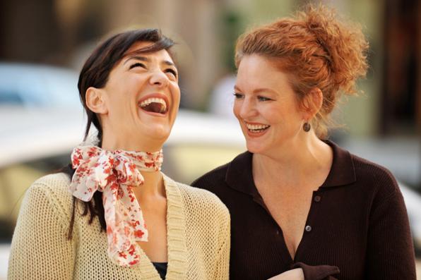 Sahabat Sejati Tertawa dan Menangis di Depanmu