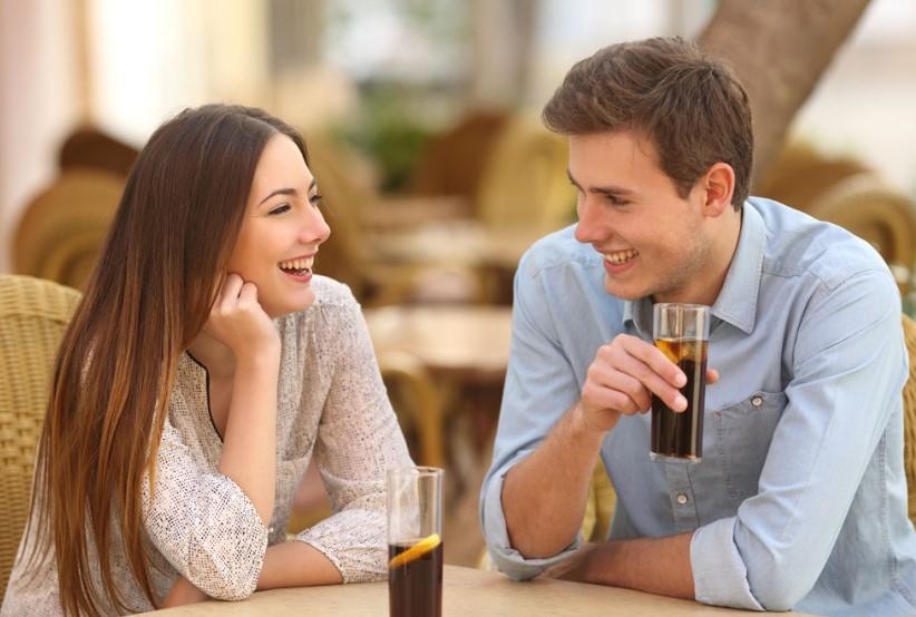 Memakai Bahasa Isyarat untuk Membuat Pasangan Makin Sayang
