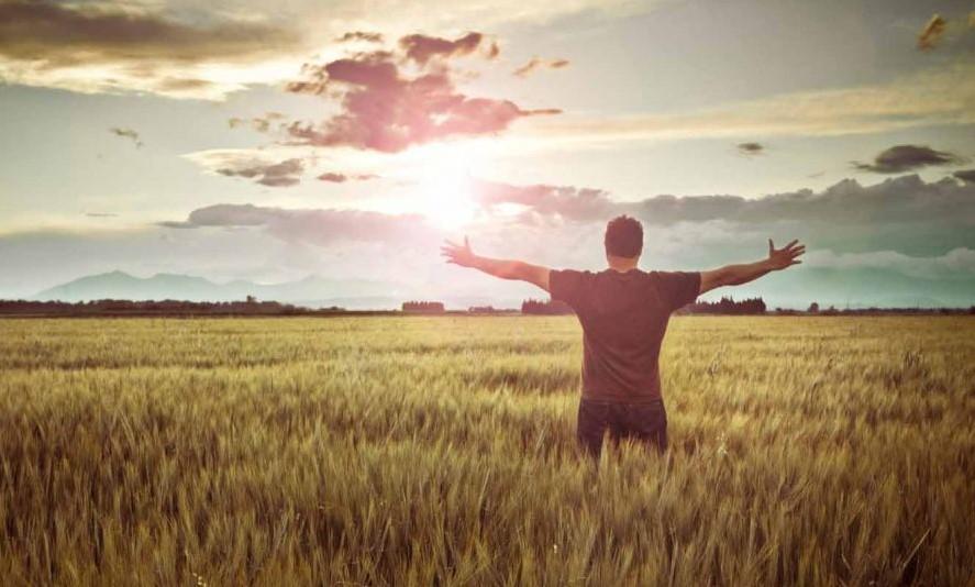 Saat Cinta Bertepuk Sebelah tangan, Jangan Lupa Ikhlaskan. Ada Kehendak Tuhan di dalamnya