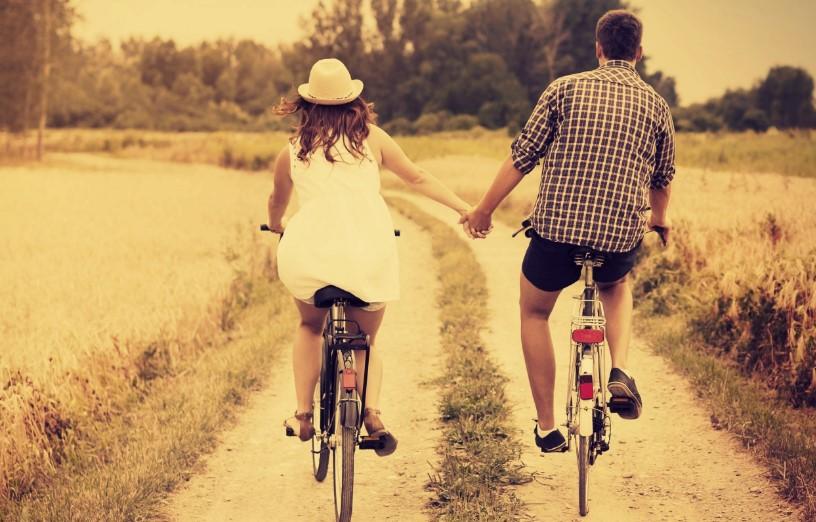 Sepeda Bersama Agar Pacara Makin Sayang